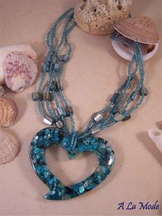 BRING THE OCEAN - BLUE NECKLACE