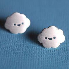 Boucles d'oreilles nuage. Happy Cloud Stud Earrings.