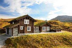 Scandinavian House, Decor Styles, Mountain, Cabin, Architecture, House Styles, Home Decor, Scandinavian Home, Arquitetura