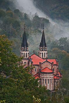 Basílica de Covadonga ~ Cangas de Onís, Asturias, Spain