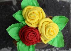 Fotopostup na efektné ruže zo servítky - Artmama.sk Serviettes Roses, Flowers, Plants, Home Decor, Decoration Home, Room Decor, Plant, Royal Icing Flowers, Home Interior Design