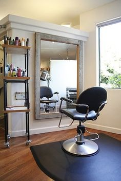 (Berkeley, California Hair Salon Gets a Green Design Makeover (Photos) : TreeHugger.) BARNWOOD framed mirrors |