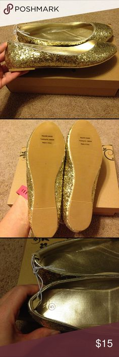 Size 5 ..gold glitter flats Gold glitter flats! Brand new in box! Shoes Dress Shoes