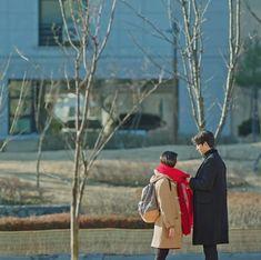 Goblin 2016, Music Stand, Kim Go Eun, While You Were Sleeping, Yook Sungjae, Gong Yoo, Historian, True Beauty, Cute Girls