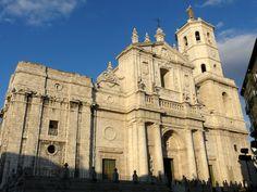 catedral de Valladolid. Puedes conocer más de esta #Catedral en http://destinocastillayleon.es/index/12-catedrales-por-conocer-en-castilla-y-leon/