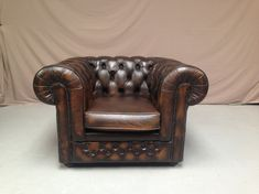 Fauteuil chesterfield marron vintage #fauteuil #vintage