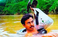 Profesor indio arriesga diariamente su vida Cruzando un río a nado para hacer clases | Cultura India