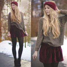 Keeping you toasty in a cozy sweater, velvety skirt & chic tights :) Velvet Skirt, Red Velvet, Mein Style, Red Skirts, Everyday Outfits, Playing Dress Up, Fashion Addict, Autumn Winter Fashion, Fall Fashion