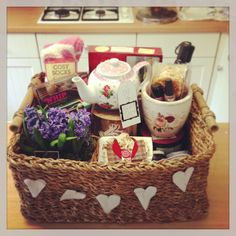 Afternoon tea and scones hamper made for my mother and an attempt at homemade bunting.