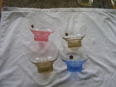 Glimma glasbruk - Fyra desertskålar i färgat glas på Tradera.com -