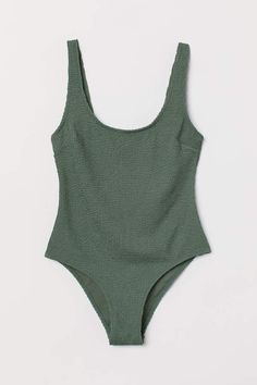 H&M Crinkle Khaki Swimsuit Green Swimsuit, Bathing Suits For Teens, Cute Bathing Suits, Bandeau Bikini, Bikini Tops, Bikini Swimsuit, Cute Swimsuits, Women Swimsuits, Outfits