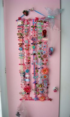 Cute idea, I always forget what we have for my daughters hair since we have so much stuff over the years.