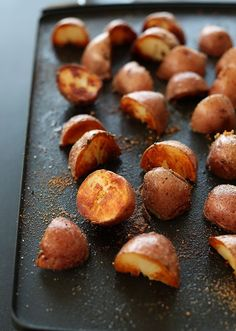 Simple vegan breakfast potatoes with the crispiest, browned edges ever. Just 5 ingredients and 30 minutes required.