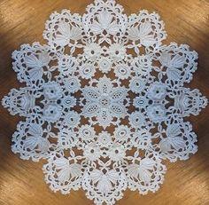 Crochet Potholders, Crochet Motif, Crochet Doilies, Doily Patterns, Crochet Patterns, Arabic Dress, Crochet Table Runner, Irish Lace, Crochet Home