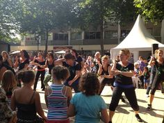 Optreden Dans Je Fit tijdens het Liemers Cultuurfestival in Zevenaar op zaterdag 8 september 2012.