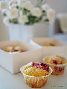 Parhaat Vadelma Muffinit 30 minuutissa | Annin Uunissa Raspberry Muffins, Something Sweet, Mini Cupcakes, Bakery, Sweets, Candy, Cookies, Breakfast, Desserts