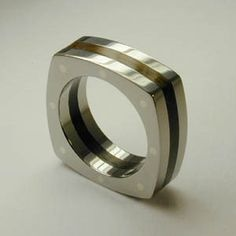 This would be a cool men's wedding band!