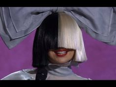Sia Cheap Thrills & Lyrics A - Idol 2016 with short funny Interview