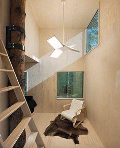 """Tree house """"Mirrorcube"""". Suecia  Fuente: http://www.archidesart.com/en/blog/between-architects-the-game/320-casas-en-el-arbol-mas-impresionantes"""