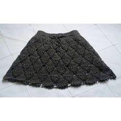 SnapWidget   Saia em crochet. Ideal para a próxima estação! Feita com uma lã fina, ótima para ser usada com uma meia calça mais grossa, uma legging... Essa ficou com 35cm na cintura e 37cm de altura total. O cordão em crochet permite que ela se ajuste perfeitamente ao corpo. #crochet #croche #crochê #saia #handmade #skirt #crochetskirt #saiadecrochet #saiaemcroche #boho