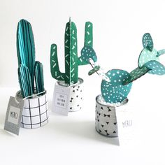 (Great for ceramic displays!) Plants you don't need to water! DIY cactus by (Great for ceramic displays!) Plants you do not need to water! DIY cactus from Diy Craft Projects, Fun Crafts, Diy And Crafts, Diy Cadeau Maitresse, Diy Tapis, Diy For Kids, Crafts For Kids, Tropical Bedroom Decor, Cactus Craft