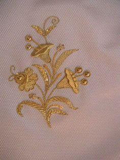 Taller de bordado Sebastián Marchante: Restauracion y enrriquecido del manto de la Virgen del Carmen.