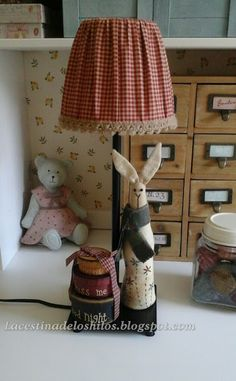 Primitive Crafts, Country Primitive, Crochet Lamp, Country Lamps, Rabbit Sculpture, Coin Couture, Painting Lamp Shades, Lamp Makeover, Country Paintings