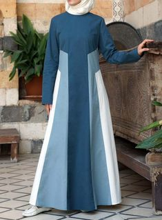 Ideas For Fashion Design Presentation Abaya Fashion, Muslim Fashion, Modest Fashion, Fashion Outfits, Casual Dresses For Teens, Modest Dresses, Modest Outfits, Modele Hijab, Abaya Designs