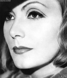 Greta Garbo, 1933