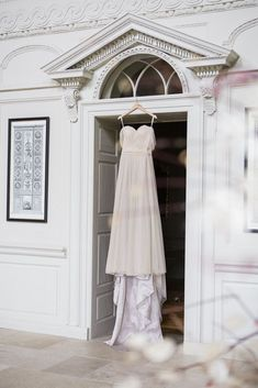 Romantic Gloster House Wedding - In Love Photography by Wim Vanhengel Irish Wedding, Wedding Day, Love Photography, Wedding Photography, Private Wedding, Beautiful Wedding Cakes, Outdoor Ceremony, Romantic Weddings, Designer Wedding Dresses