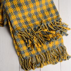 Twill Houndstooth Cotton Throw Blanket in Gold and Gray