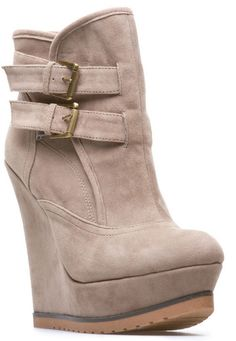 beige high heels ❤