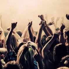 Démocratie participative ou collaborative sont les nouveaux mots d'une population en quête de sens et de vérité. Ainsi, selon une récente étude, 2 français sur 3 disent que nos politiques sont incapables d'apporter des solutions efficaces. Une véritable crise de... #démocratiecollaborative