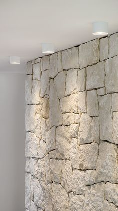Home Decor Crafts .Home Decor Crafts Stone Feature Wall, Stone Wall Design, Stone Cladding, Stone Houses, Home Deco, Interior And Exterior, Architecture Design, House Design, Kitchen Nook