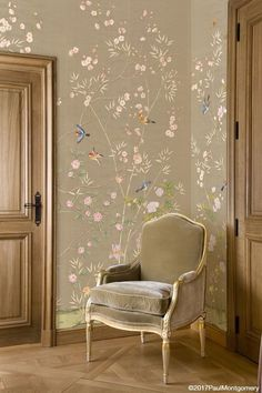 Parc Bonaire is a design that combines flowering trees and bamboo branches for a more balanced look. These two styles of trees create a dynamic blend and an elegant feeling. Design Hall, Wall Design, House Design, Home Interior Design, Interior And Exterior, Interior Decorating, Chinoiserie Wallpaper, Oriental Wallpaper, Bedroom Decor