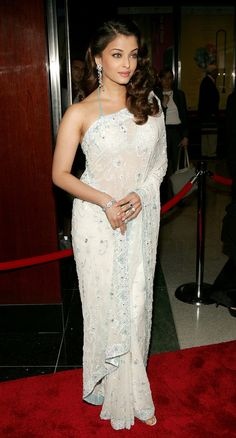 Actress Aishwarya Rai arrives for Time Magazine Celebrates New 'Time 100' list of Most Influential People In The World on April 19, 2005 in New York City.