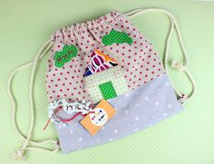 Little house on our backbag!!!! Product Review: Little house on our backbag!! http://ow.ly/bBF530f78RU #handmade #productreview #backbag #littlegirl #girl #patchwork #name