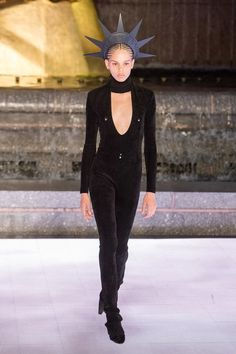 Alexander Wang Spring 2020 Ready-to-Wear Fashion Show Collection: See the complete Alexander Wang Spring 2020 Ready-to-Wear collection. Look 6 Alexander Wang, Vogue Paris, Corduroy Blazer, Vogue Russia, Fashion Show Collection, Models, Donna Karan, Mannequins, Catwalk