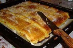 Piskóta jellegű finom túrós sütemény, elolvad a szádban, ha bele harapsz! Hungarian Desserts, Romanian Desserts, Hungarian Recipes, Sweet Recipes, Cake Recipes, Pasta Filo, Sweet Cookies, Baking And Pastry, Snacks