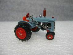 Hallmark - Antique Tractors - 7th in Miniature Collector's Series - 2003