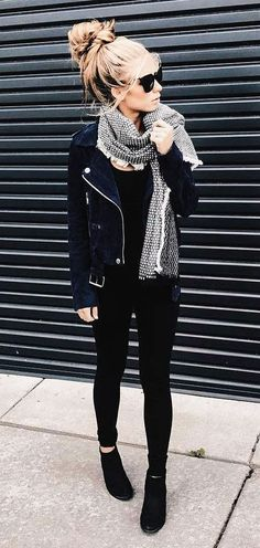 #Winter #Outfits / Gray Knit Scarf - Black Jacket