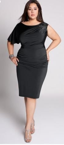 PLUS SIZE LITTLE BLACK DRESS - Kapres Molene