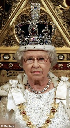 The Imperial State Crown which has been worn by Queen Elizabeth II throughout her reign. It was designed for her father George VI and remodeled for Elizabeth to give it a more feminine look and to lower the height of the crown by an inch. Royal Crown Jewels, Royal Crowns, Royal Tiaras, Royal Jewelry, Queen Elizabeth Ii Crown, Windsor, Imperial State Crown, British Crown Jewels, Elisabeth Ii