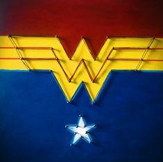 Cuadro Wonder Woman 30*30 Cuadro elaborado a mano en MDF con clavos e hilo, pintado con acrílico.  Medidas 30*30*1,5 cm. Incluye soporte para colgar Wonder Woman, Nail String, Wonder Women