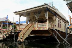 HOUSE BOATS in Srinagar (Kashmir)