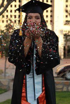 ✨✨✨ Source by classyycecyy… - - Graduation pictures,high school Graduation,Graduation party ideas,Graduation balloons Girl Graduation Pictures, Graduation Picture Poses, College Graduation Pictures, Graduation Portraits, Nursing School Graduation, Graduation Photoshoot, Graduation Photography, Grad Pics, Senior Pics