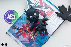 Batsy Beyond Retro Baby Batman, Batman Beyond, Vinyl Toys, Designer Toys, Resin Art, Wood Projects, Pop Culture, Graffiti, Character Design