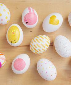 Just about the cutest Easter eggs I have seen! Sharpie Eggs: A super easy DIY that even the littlest bunnies will love