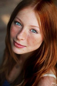 gorgeous eyes, cute freckles, doll face, fleshy lips - pretty redhead