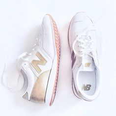 Best spring sneakers - J.Crew New Balance in gold & white @newbalance